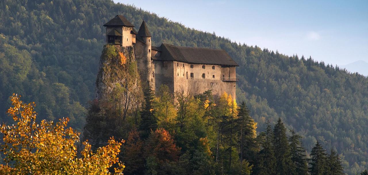 home-james-global-real-estate-slovakia-orava-castle