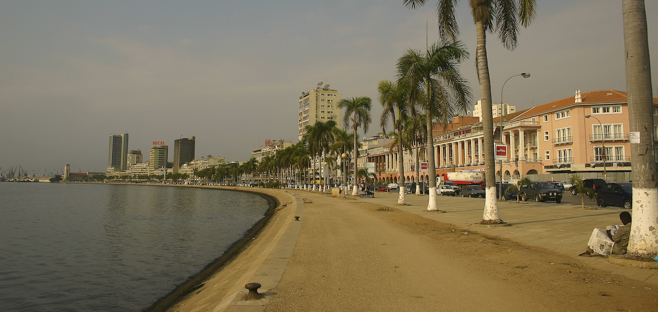 home-james-global-real-estate-angola-luanda-waterfront-scene