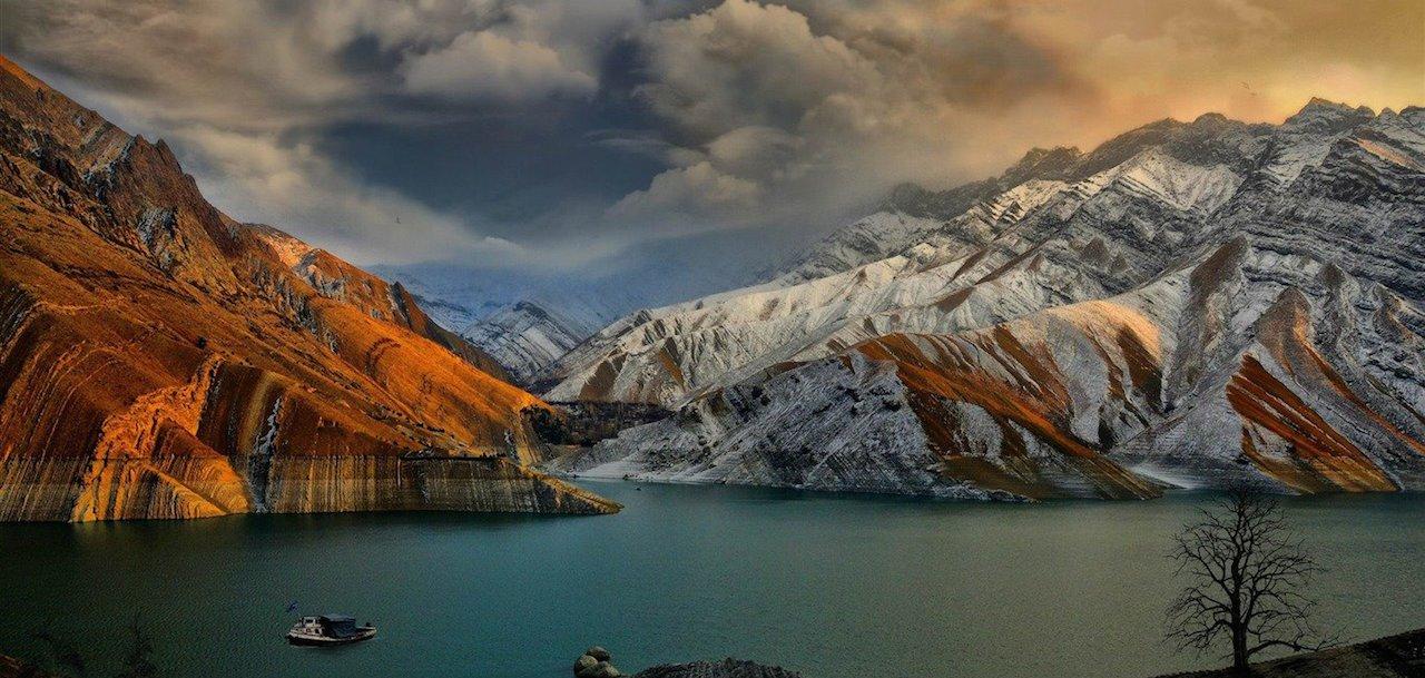 home-james-global-real-estate-iran-mountains
