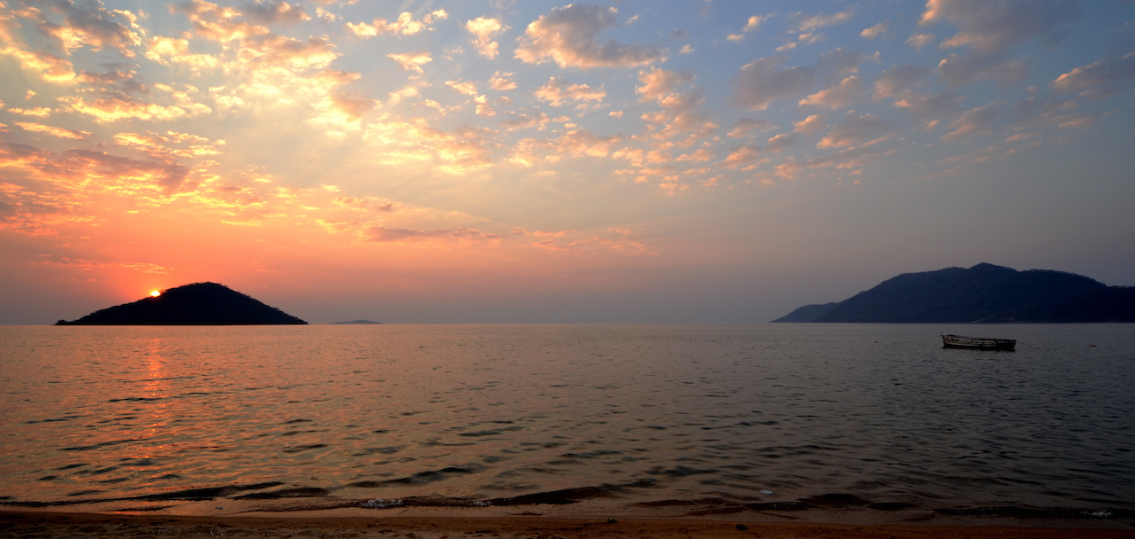 home-james-global-real-estate-malawi-lake-sunrise